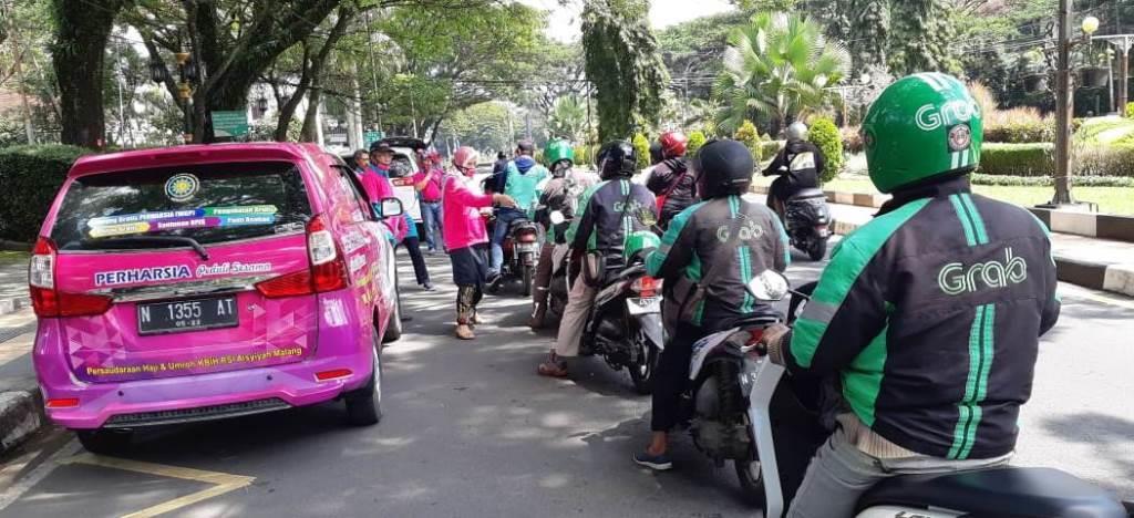 Pekerja Harian Resah Cari Nafkah, Perhasia-TCU Bantu 350 Paket Sembako 1