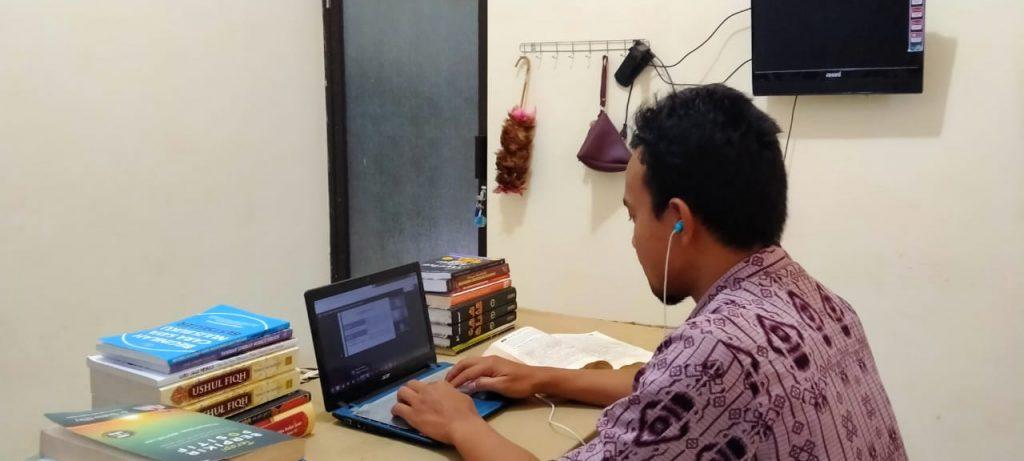 Kuliah Daring Komunikasi Menjadi Kering, Adab Pendidikan Dianggap Tidak Penting 1