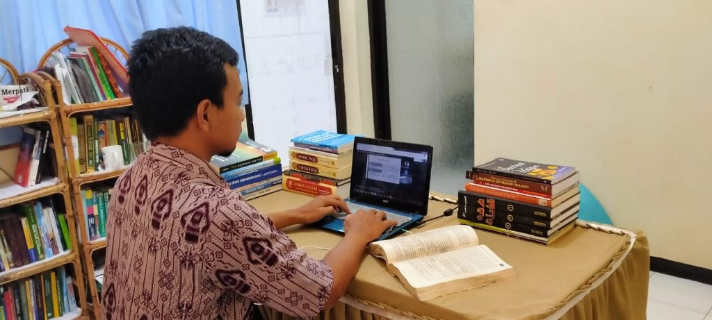 Kuliah Daring Komunikasi Menjadi Kering, Adab Pendidikan Dianggap Tidak Penting 2