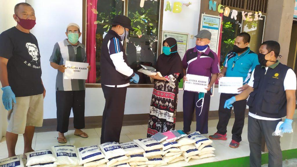 Ini Baru Keren, AMM-PDM Kabupaten Lombok Timur Bagi 2,5 Ton Sembako dan 10 Ribu Masker 2