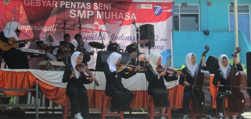 Orkestra SMP Muhasa Media Siswa Salurkan Bakat, Sekaligus Rileksasi Hilangkan Penat 1