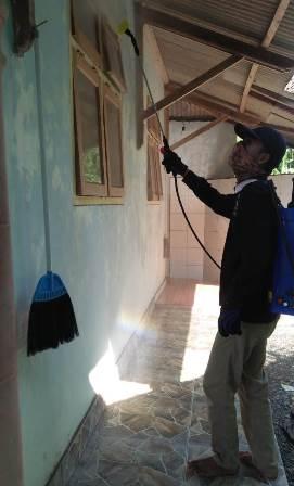 Lanjutkan Aksi Desinfektan, PCPM-SMK Muhendro Sanitasi Fasum Milik AUM 1