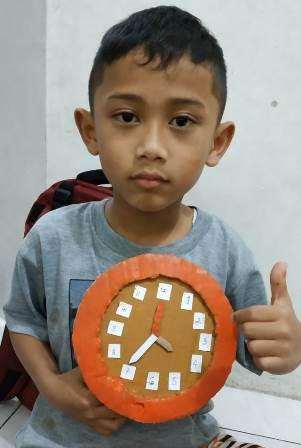 Siswa SD Muhammadiyah 4 Batu Berkarya Jam Dinding, Belajar Selisih Waktu Antar Wilayah 1