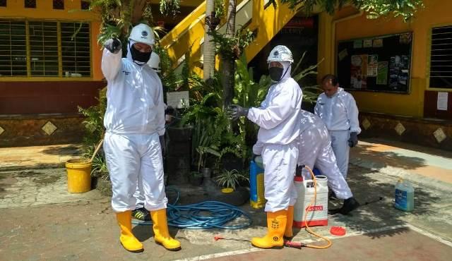 Semprot Desinfektan Tiga Sekolah, Tim PPDB SMK Muhammadiyah 1 Kota Malang Dapat Berkah 2