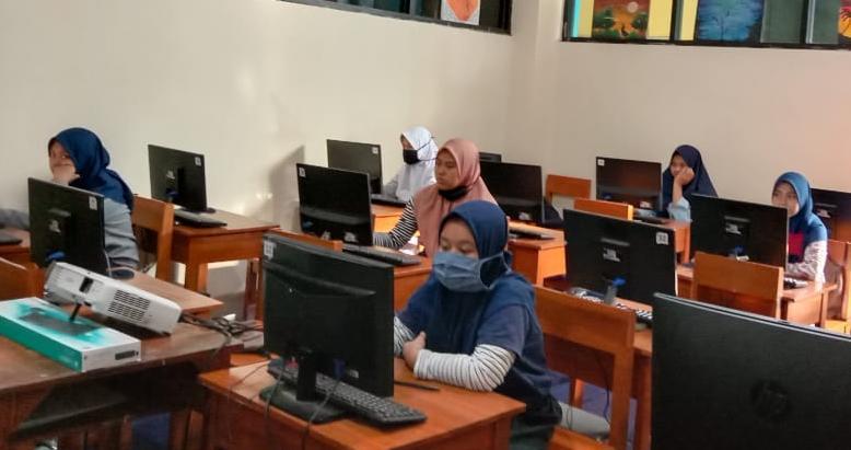 American Corner Mulai Garap SMP Muda Kota Malang 1