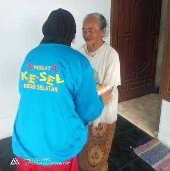 Kader Tapak Suci Kediri Turun Panggung, Kirim Ratusan Sembako Janda Miskin-Korban PHK 1