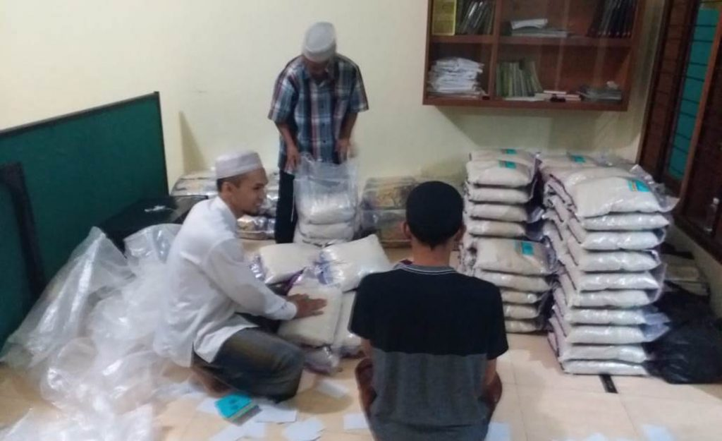 Masjid Firdaus Sitirejo Wagir, Gerojok 1 Ton Beras Warga Sekitarnya 2