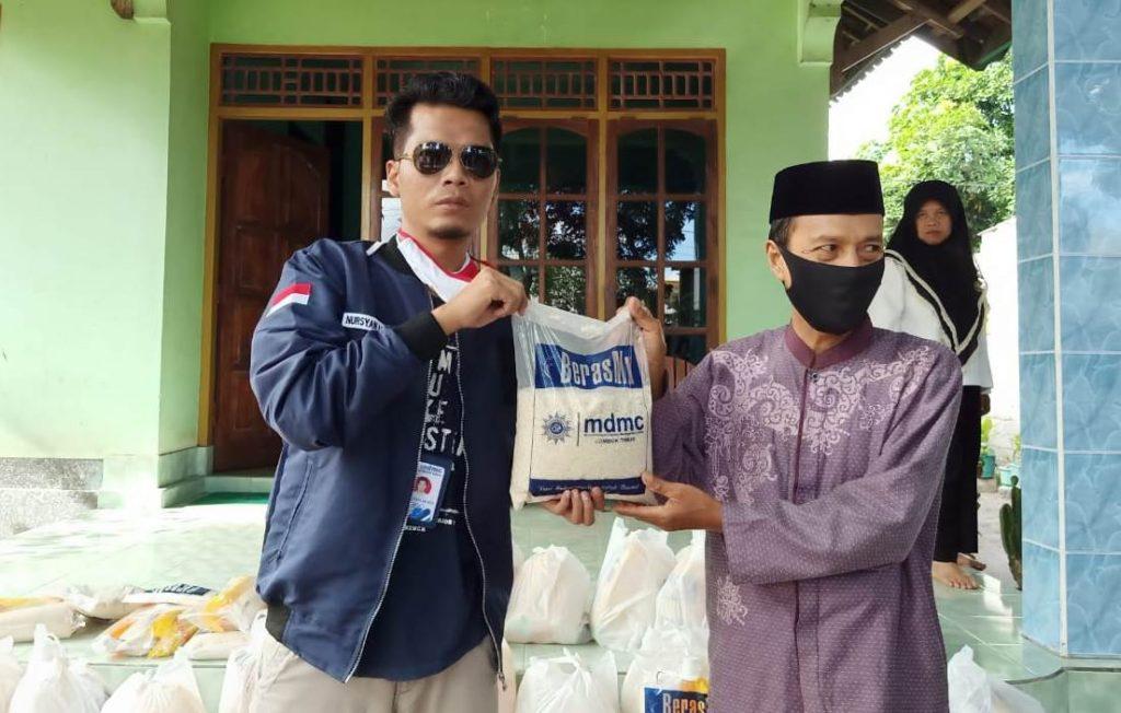 Kali Ketiga MDMC Lombok Timur Salurkan Ribuan Paket Sembako 1