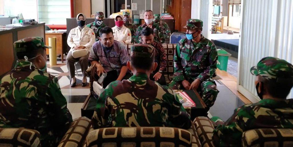 Ajenrem 083 Baladikajaya Sumbang Sembako Pondok-Panti Asuhan Al Munawarah 2