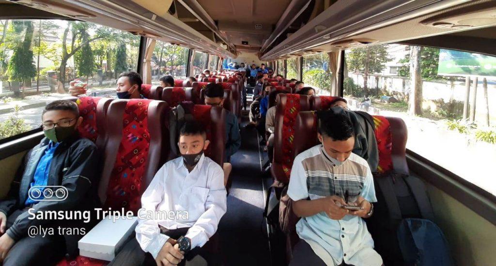 @lya Trans-Matsamutu Tour Travel Antar Santri Gontor Kembali Masuk Pondok 1
