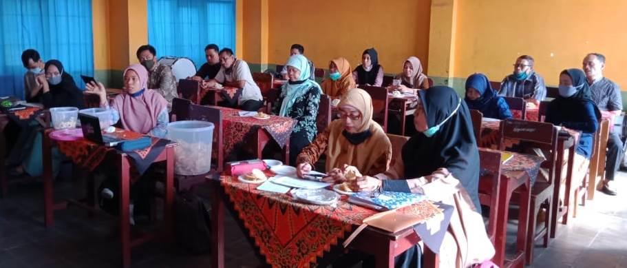 SMP Muhasa Gelar Bincang Syawal, Paparkan Program Pendidikan Pada Warga Sekitar 2