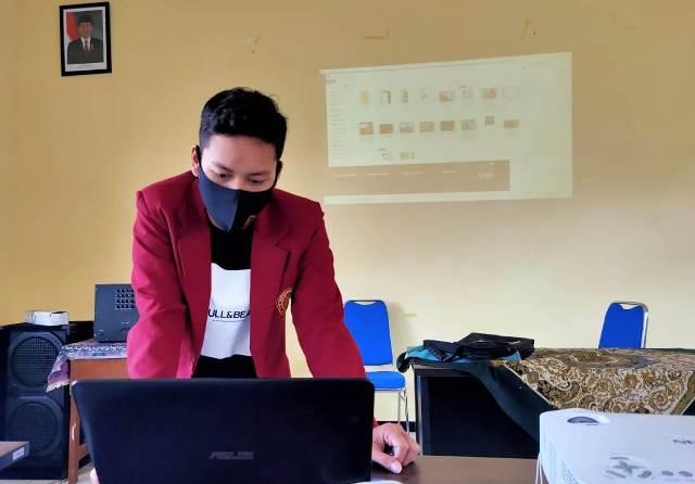 Sesi Akhir Pengabdian, PMM 91 UMM Launching Karya Digital 1