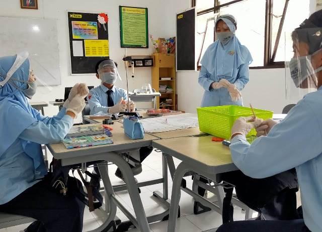 Hanya SMPM 8 Batu Se Indonesia, Pembelajaran Open Class Berbasis TBLA 1