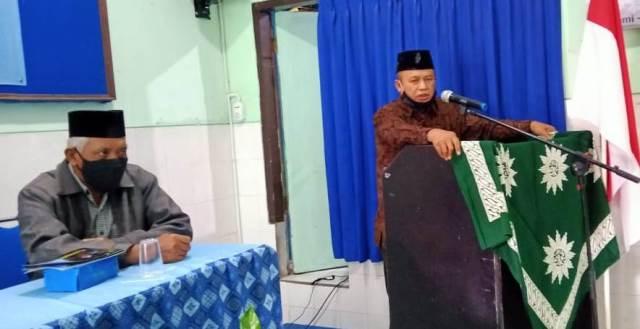 Ustadz Arif Dapat Pesan 2 Pejabat 1