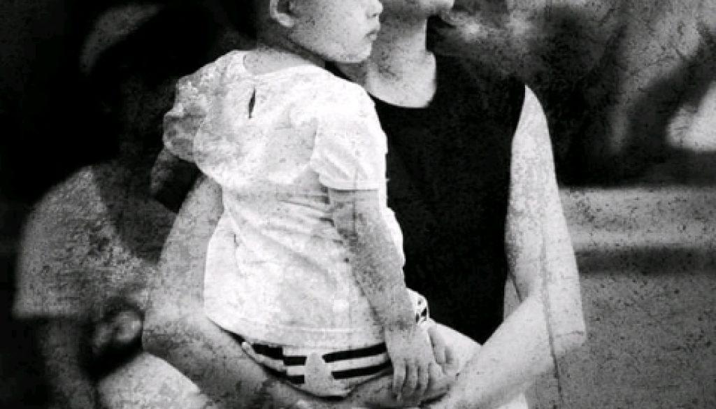 foto cerbung suamiku pura-pura tuli