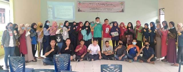 Seminar PCPM Gelumbang Serahkan Tabloid MataHati 2
