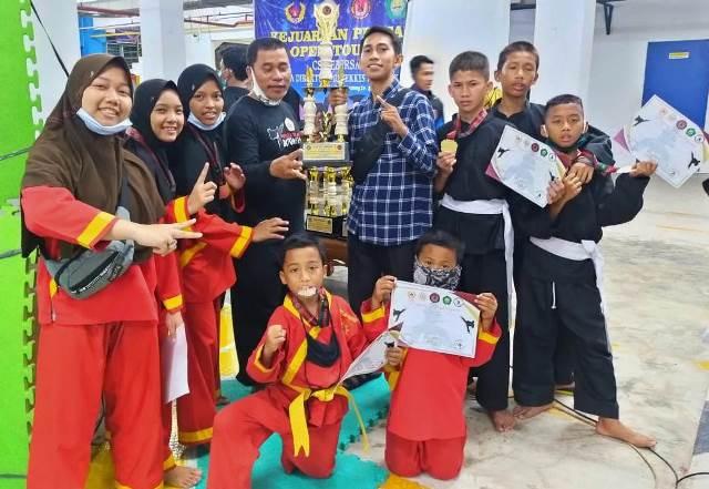 Kontingen PPI Indralaya Juara Umum Piala Direktur Poltekes Palembang 1