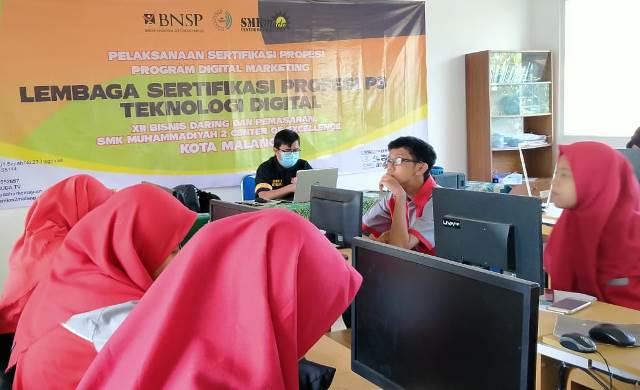 Guru-Siswa BDP SMK Muda Raih Sertifikat Kompetensi LSP P3 BNSP Tingkat ASEAN 1
