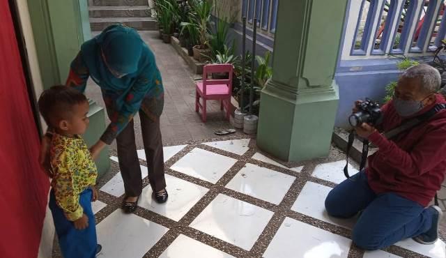 Sesi Foto Rapor, ABA 10 Kota Malang Gunakan Alat Prokes Bantuan Dinas Pendidikan 1
