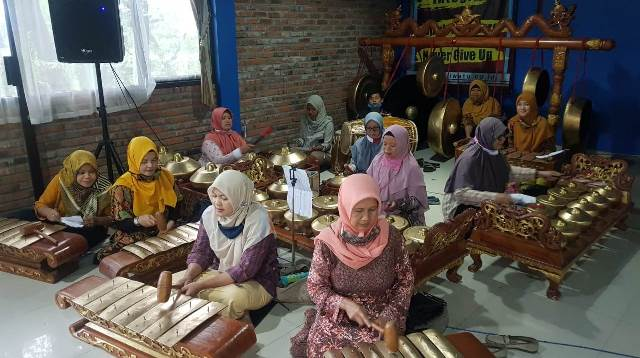 PCA Bumiaji Kota Batu Dakwah Kultural, Bentuk Karawitan Nyai Walidah 1