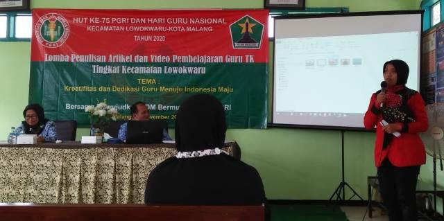Guru TK Lab UM Juara HUT PGRI-HGN 1
