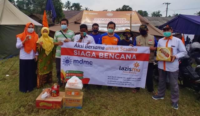 Ambulans Penuh Sembako, Lazismu Kota Malang Bantu Pengungsi Semeru 1