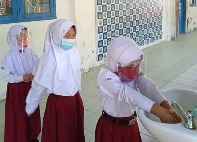 Dibagi Dua Kelompok SD Muhada Kota Langsa Aceh Gelar KBM Tatap Muka 1