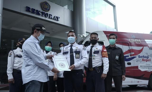 Korps Satpam UMM Donasi Uang Bantu Korban Bencana 1