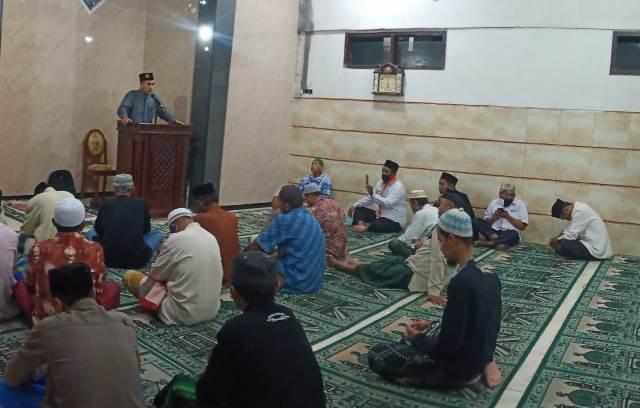 Lazismu Kota Malang Beri Se-Amplop Uang Takmir Masjid Nur Mujahidin 1