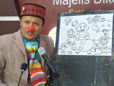 Siswa SD Mugres Mantul, Dongeng-Gambar Bersama Kak Komang 2