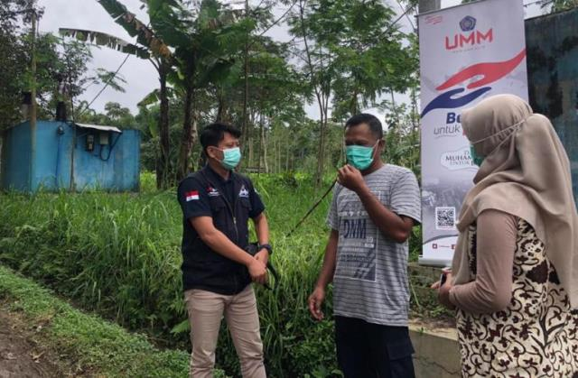 UMM Kirim Tiga Truk Tangki Air Bantu Korban Longsor Ngantang 1