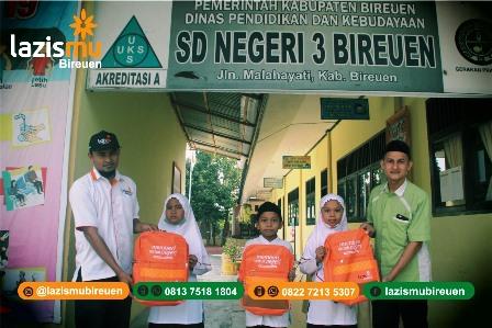 Lazismu Bireun Aceh Bantu Belasan Siswa SDN 3 Dana Pendidikan 1