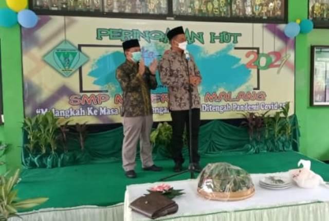 HUT SMPN 13 Kota Malang, Ustadz Rokhmad Pesan 3 Makna Syukur-Shalat 2