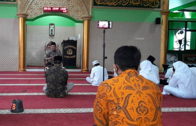 HUT SMPN 13 Kota Malang, Ustadz Rokhmad Pesan 3 Makna Syukur-Shalat 1