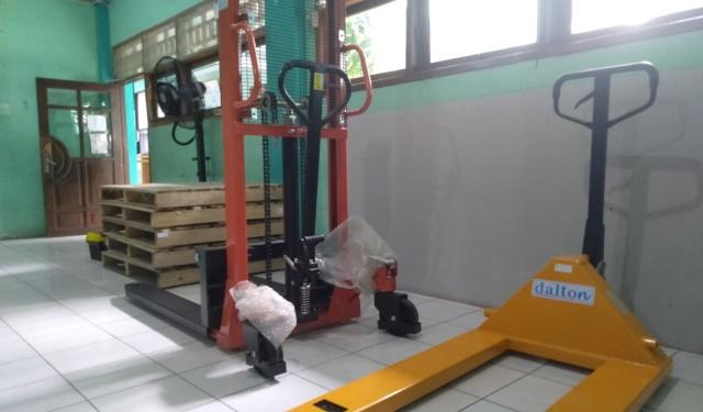 Pilih Jurusan Logistik SMK MITA Sidoarjo Peluang Kerja Industri Transportasi 1