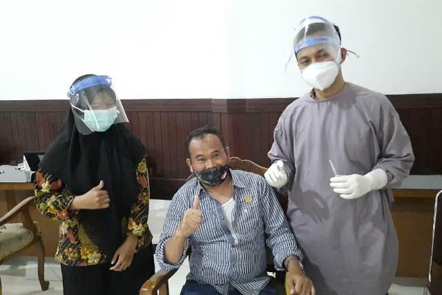 Giliran Anggota DPRD Kota Malang Divaksin, Rokhmad Bismillah Lahaulawalakhuwatta Illabillah 1