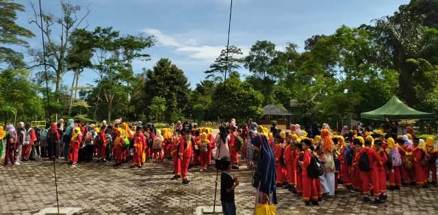 Usai Ujian Semester Siswa SD Muhada Langsa Aceh Tadabur Alam 1