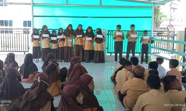 Program Celengan Lazismu Biereun Aceh, Anak Dhuafa SDN 3 Dapat Beasiswa 1