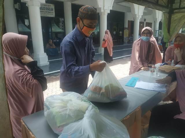 Sambut Ramadhan Yayasan Masjid Khadijah Gelar Pasar Murah-Sembako Dhuafa 2