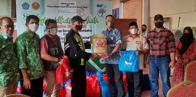 Milad Pemuda Muhammadiyah, Unismuh Makasar- PWPM Sulsel Baksos Sembako 1