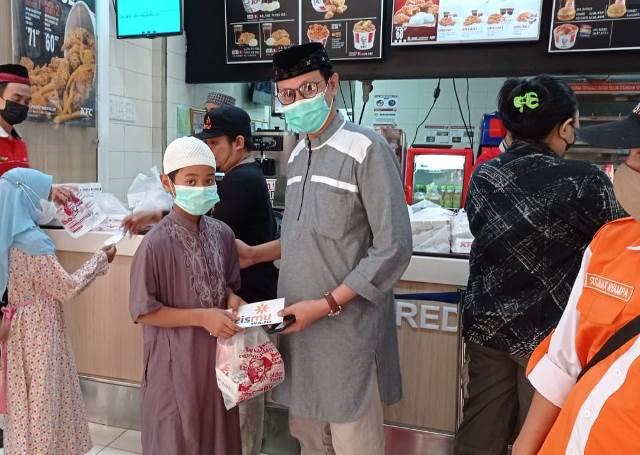Gandeng Bupati-Pengusaha, Lazismu Wajo Beri Kado Ramadhan Guru Ngaji, Honorer, Yatim Piatu 1