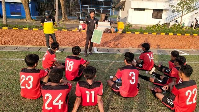 Meski Kalah, Ricky Nelson Academy Beruntung Bisa Berhadapan HW FC 1