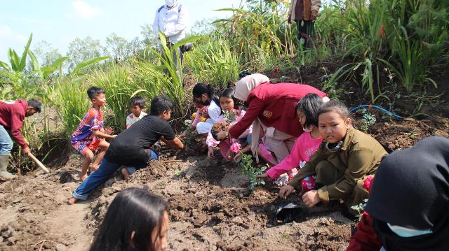 PMM 30 UMM Edukasi Anak Pandanmulyo Pertanian-Kerajinan Tangan 2