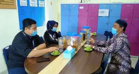 Kunjungi SDM 29 Surabaya Rektor STIE IBMT Tawari Guru Beasiswa Pasca Sarjana 1
