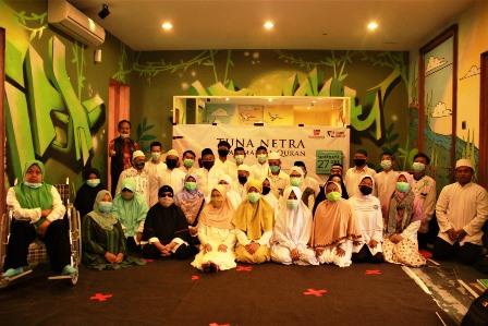 Sudah Hafidz, Belasan Tuna Netra Khataman Al Qur'an Braile 2