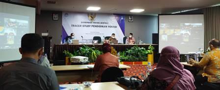 Gugus Tugas BKK SMK Mutu Surabaya Bimtek Tracer Study 1